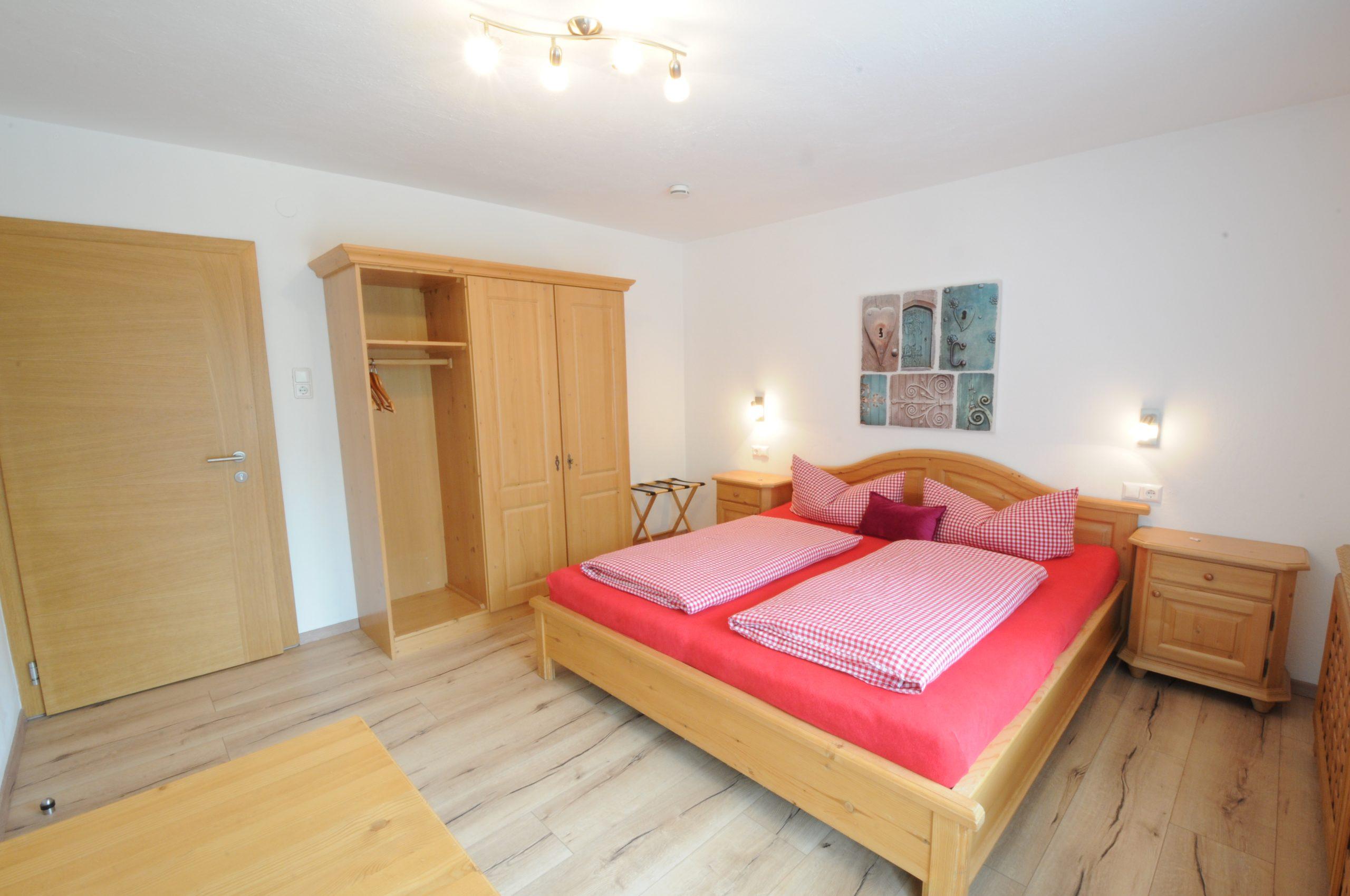 Chambre double à l'hotel Pension Mirabelle au Tyrol.